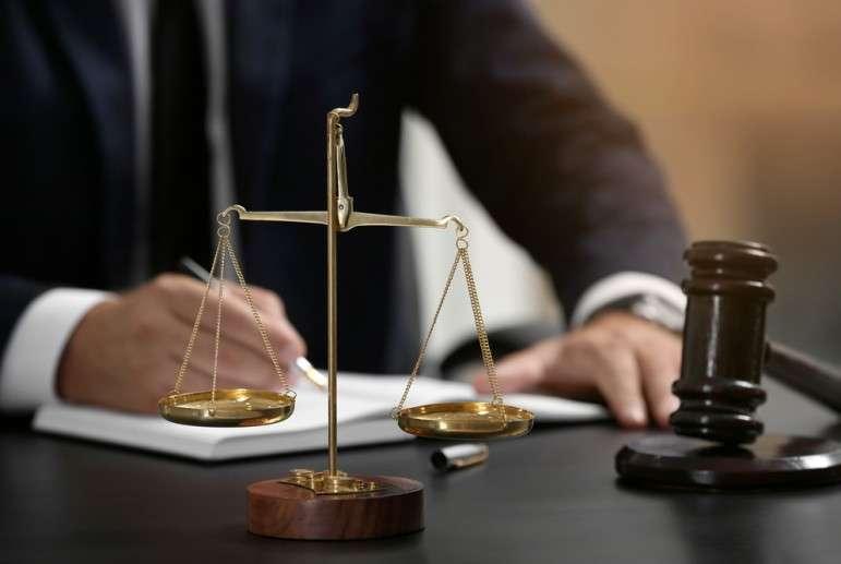 Почему даже владельцы малого бизнеса должны иметь юриста в штате